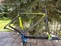 Specialized ROUBAIX Carbon DISC frame and fork, 54cm