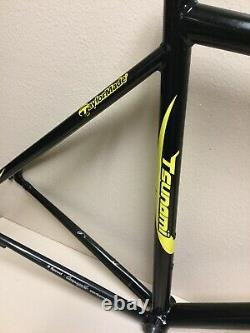 Tsunami Team Issue Alloy Frame And Reynolds Carbon Fork 1 1/8 Inch 1.8 Kgs